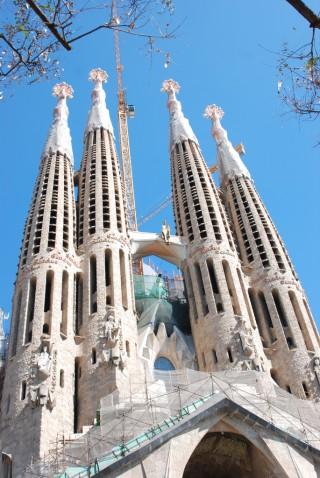 Go Living In Barcelona Sagrada Familia church